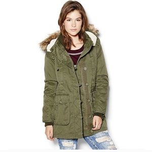 Garage All Seasons Parka | Green With Hood